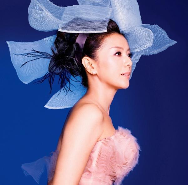 [Album] 薬師丸ひろ子 (Hiroko Yakushimaru) – 時の扉 〜セレクション・カバーアルバム〜 [FLAC / 24bit Lossless / WEB] [2013.12.04]